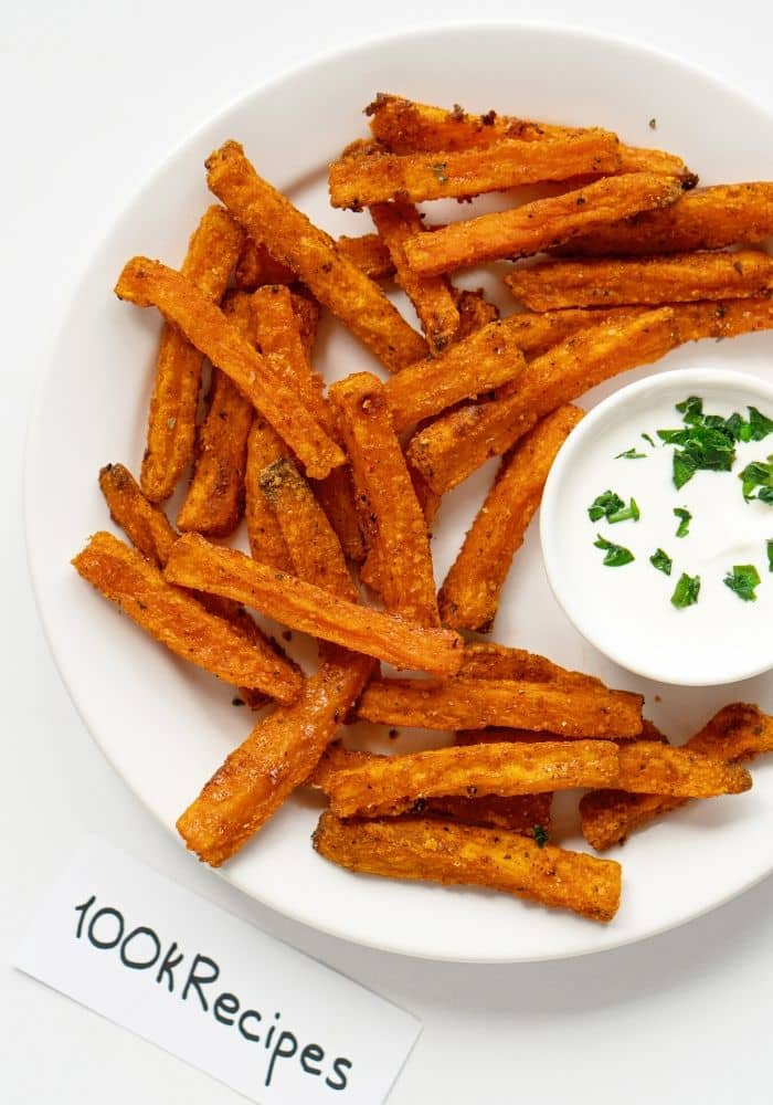 THE BEST BAKED SWEET POTATO FRIES!