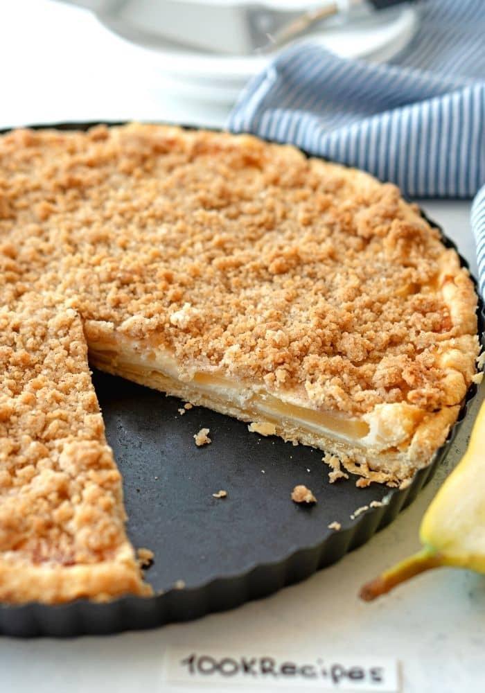 Fresh Pear Crumble Pie