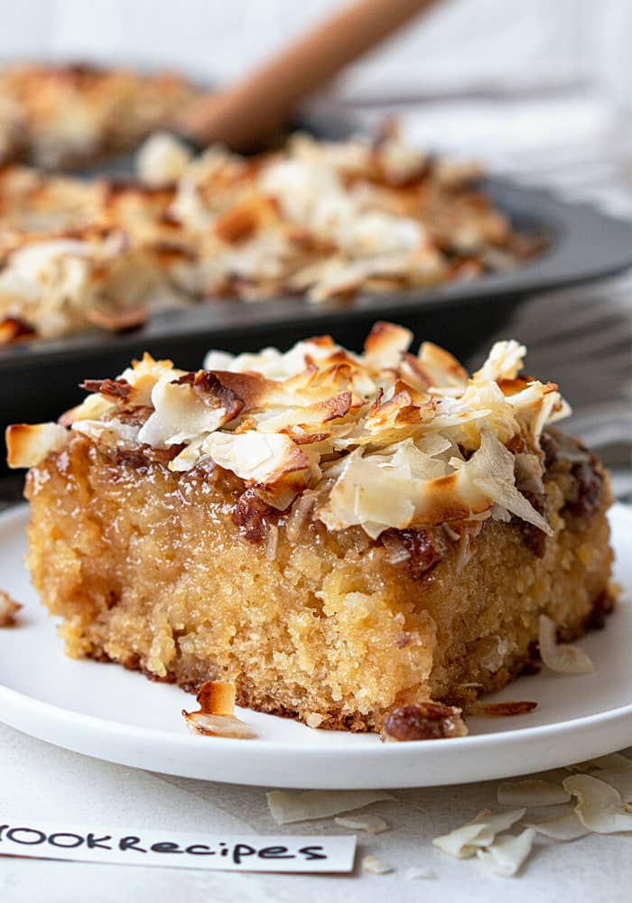 GRANNY CAKE WITH COCONUT