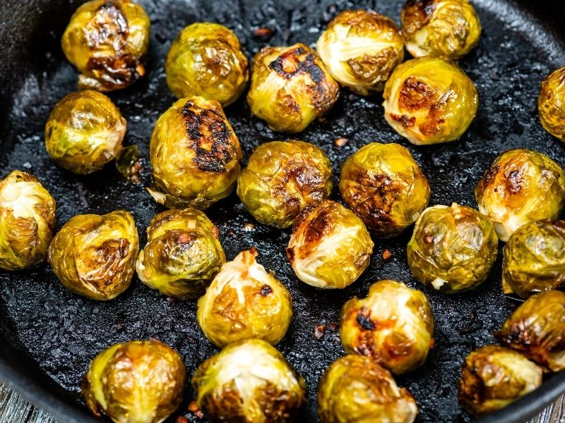 Brussels sprouts with olive oil and garlic