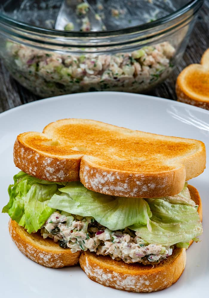 tuna salad sandwich ingredients