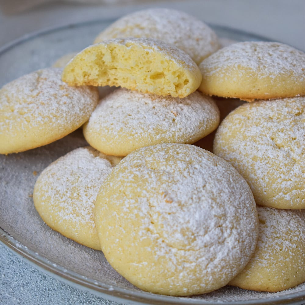 Easy Italian Butterball Cookies Recipe
