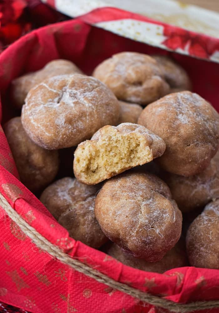 Polvorones de Canele (Cinnamon Cookies)