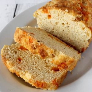 RED LOBSTER'S CHEESE BISCUIT LOAF